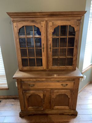 Hutch for Sale in Derby, KS