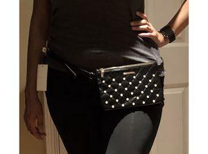 NWT Adrienne Vittadini Fanny Pack Waist Bag Belt Bag Black Pearl 1X for Sale in Downey, CA