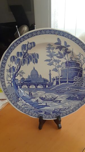 Decorative plate. for Sale in Seffner, FL