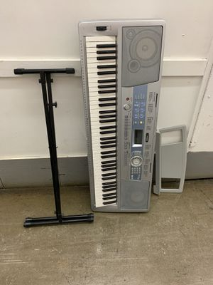 Yamaha Keyboard with stand for Sale in Garden City, MI