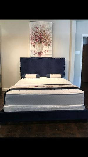 King navy velvet studded bed with mattress (Free Delivery) for Sale in College Station, TX
