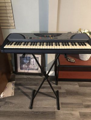 Electric piano , yamaha psr 240 for Sale in Downey, CA