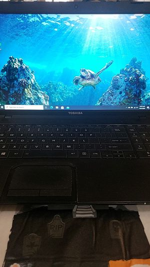 Toshiba laptop for Sale in Bakersfield, CA