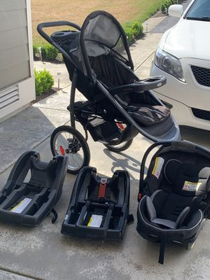 Stroller, car seat, and car seat base for Sale in Arlington, WA