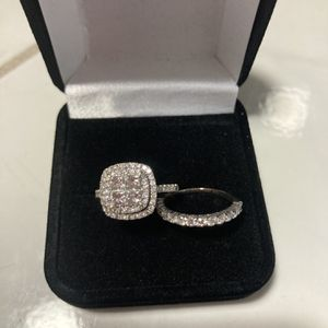 SAVE $7,900!! NEW VS1 CLARITY 2.21 CARAT DIAMOND ENGAGEMENT RING AND MATCHING DIAMOND WEDDING BAND WITH CERTIFIED APPRAISAL 14KT WHITE GOLD for Sale in Providence, RI