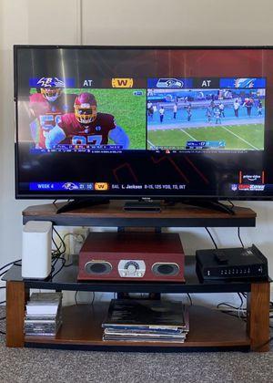 Corner TV Stand for Sale in Oakland, CA