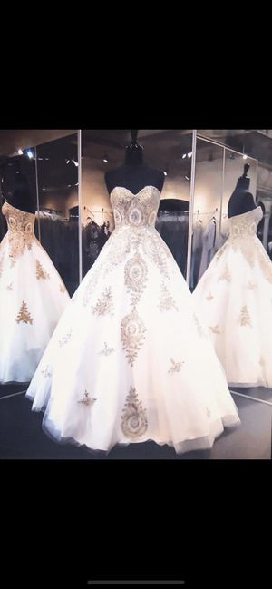 Wedding Dress 👗 size: 7 - 12 for Sale in Glendale, AZ