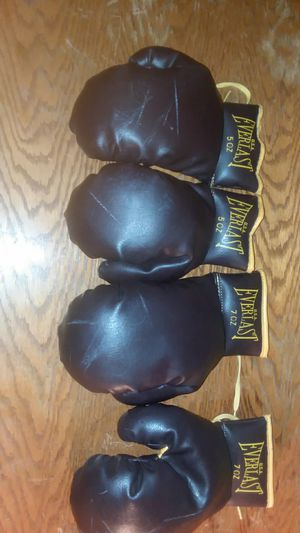 Vintage Everlast U.S.A. boxing gloves for Sale in New Baden, IL