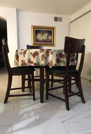 5pc. Table for Sale in Quartz Hill, CA