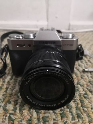 Fujifilm X-T30 Camera with XF 18-55mm f/2.8-4 R LM OIS Lens new for Sale in Seattle, WA