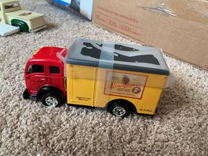 NEW: (1st of 1250 ) Leinenkugel's 1949 White Tilt-Cab Truck coin bank (9th edition) for Sale in Lake Hallie, WI