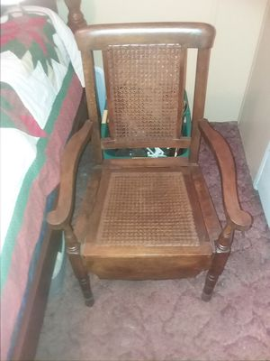 Antique chair. Great conversation piece, high end piece of furniture. for Sale in Taylors, SC