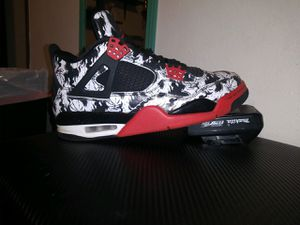 Air jordan 4's and Nike air mmax TN bothe SIZE 9 for Sale in Spokane, WA