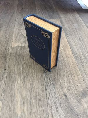 Concealment vintage antique decorative art book end for Sale in Fullerton, CA