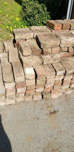100 Free Rustic Looking Bricks For Pathway for Sale in San Carlos,  CA