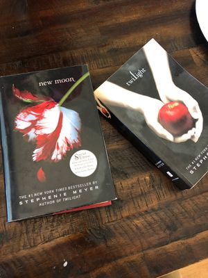 Free twilight and New moon books for Sale in El Cajon, CA