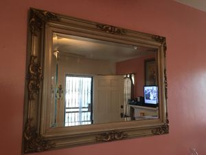 Beautiful fancy elegant mirror for Sale in Pico Rivera, CA