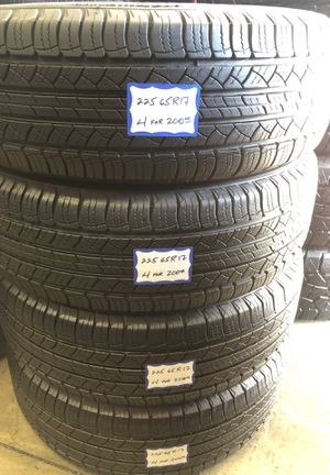 👨🏻🔧🚘SET OF 4 USED TIRES👨🏻🔧🚘 225/65/17 MICHELIN for Sale in Lakewood, CA