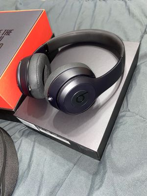 Beats solo 3 wireless or wired for Sale in Houston, TX
