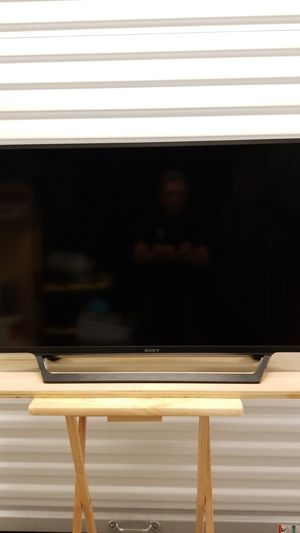 Sony smart tv . . .40 inches for Sale in Hollywood, FL