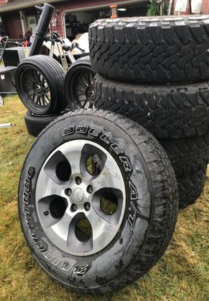 JEEP WHEELS w/ TOYO TIRES for Sale in Mount Vernon, WA