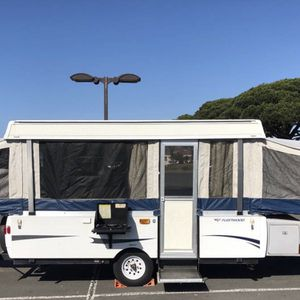VERY CLEAN 2009 Fleetwood Pop Up Trailer for Sale in Temecula, CA