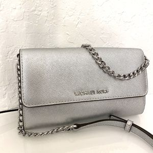 Beautiful 2-in-1 Michael Kors Crossbody! Hardly Used for Sale in Miami, FL