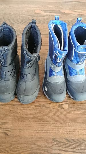 2 pairs of waterproof rain snow boots kids boys girls size 4 and 5 North Face for Sale in Bellevue, WA
