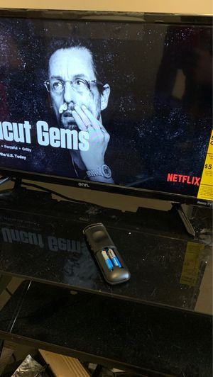 24 inch HD smart Roku tv for Sale in Baltimore, MD