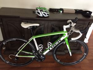Trek madone 5.2 and accessories/today and tomorrow for 1400 for Sale in Chula Vista, CA