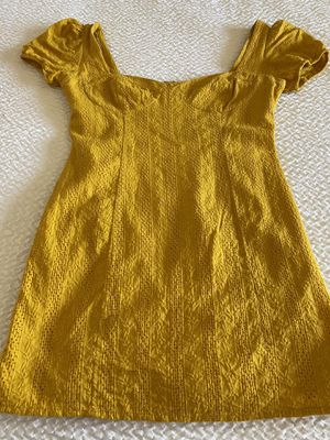 Forever 21 Yellow dress for Sale in Fresno, CA