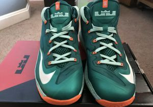 Nike Air Max Lebron XI Size 8.5 for Sale in Los Angeles, CA