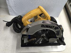 Dewalt dw369 circular saw-used for Sale in Bay Shore, NY