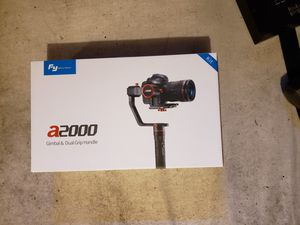Feiyutech a2000 gimbal & dual grip handle for Sale in Hartford, CT