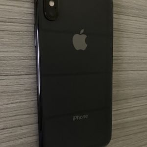 Unlocked iPhone XS 256GB Space Gray for Sale in Providence, RI
