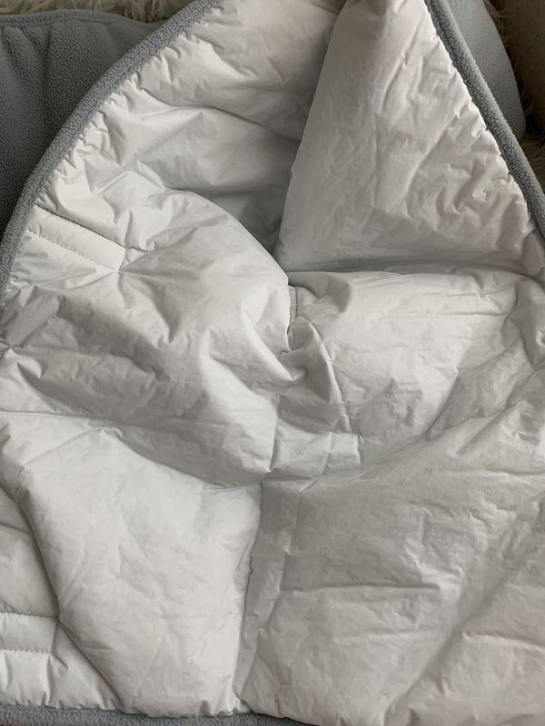 Baby crib rail cover