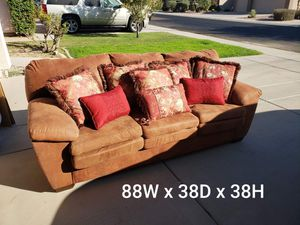 Antique style pull out full size bed sofa / couch plus pillows for Sale in Gilbert, AZ