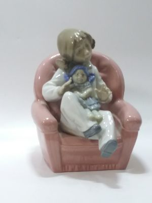 Lladro Figurine Mommy's Little Girl Mother Figurine for Sale in Miami, FL