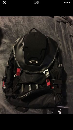 Oakley backpack bag for Sale in Goodyear, AZ