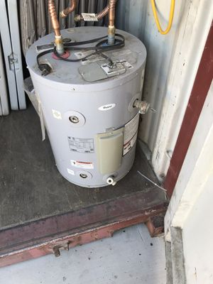 Water Heater (Electric) 110v for Sale in Fontana, CA