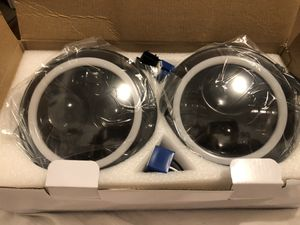 DRL 7 Inch Round LED Headlight with Halo Ring For Jeep Wrangler JL Driving Light White Angel Eyes Amber Turn Signal for Sale in East Los Angeles, CA