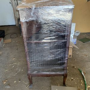 Antique Phonograph Cabinet for Sale in Pretty Prairie, KS