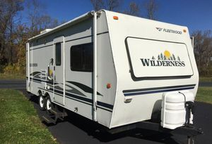 2006 Fleetwood Wilderness travel trailer camper for Sale in Los Angeles, CA