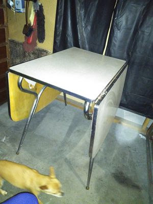 Vintage formica table for Sale in Saint Joseph, MO