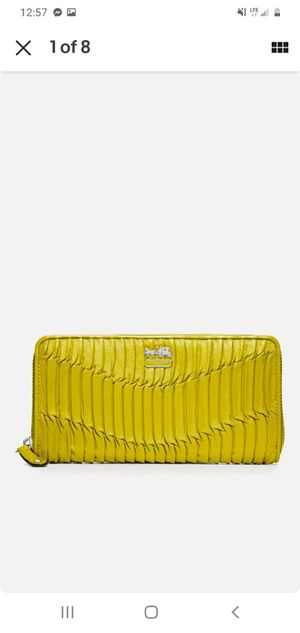 Yellow coach wallet for Sale in Lexington, SC