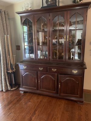 Cresent China Cabinet for Sale in Woodruff, SC