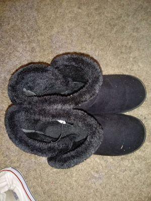 Women's Fall Winter Boots in Black for Sale in Cincinnati, OH