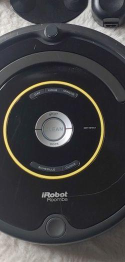 Vacuum irobot roomba 650 for Sale in Bellevue,  WA