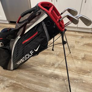 Nike Golf Bag And 4 Clubs for Sale in Winter Springs, FL