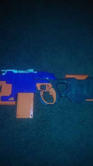 Electric nerf gun with clip and batteries for Sale in Shawnee, KS